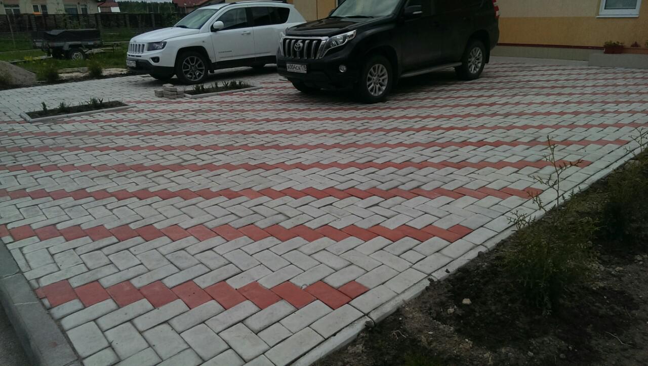 Укладка тротуарной плитки под стоянку автомобиля